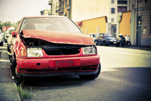 Ob Trunkenheitsfahrt, Nötigung oder nach Unfall begangene Fahrerflucht: Ein Fahrverbot kann auch bei Straftaten drohen.