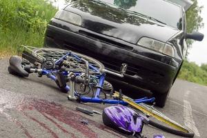 Auch andere Straftatbestände wie fahrlässige Tötung können zum Entzug der Fahrerlaubnis führen.