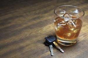 Fahren unter dem Einfluss von Alkohol: Ab 0,3 Promille kann die Grenze schon überschritten sein.