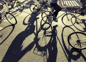 Ob Handy am Lenker, Rotlichtverstoß, der Bußgeldkatalog fürs Fahrrad hält teils hohe Bußgelder bereit.