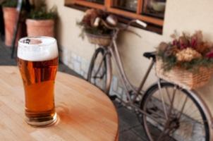 Alkohol auf dem Fahrrad? Explizite Vorschriften oder eine Promillegrenze gibt das Gesetz nicht vor. Aber 1,6 stellt eine gefährliche Marke dar.