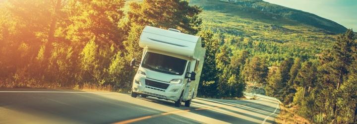 An welche generell zulässige Höchstgeschwindigkeit müssen sich Wohnmobil-Fahrer in Deutschland halten?