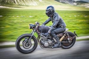 Begrenzung der Geschwindigkeit: Gelten beim Motorrad ebenfalls die Vorgaben für Pkw?