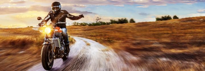 Unterwegs mit dem Motorrad: Welche Geschwindigkeit müssen Sie in Deutschland auf Krafträdern einhalten?