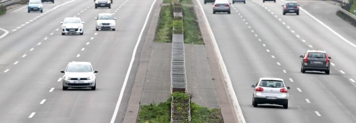 Auf deutschen Autobahnen gilt eine Richtgeschwindigkeit.